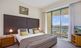 Boys Trip Mantra Sun City Gold Coast hotel packages - Supercars Gold Coast 600